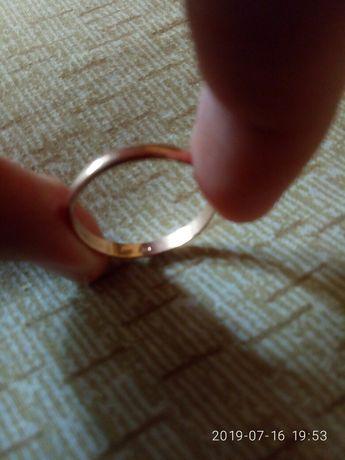 кольцо золоте розмір 21.5