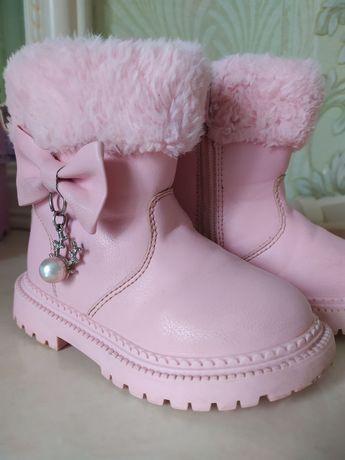 Чобітки для дівчинки