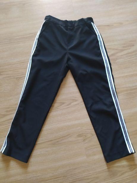 Calças pretas Zara com barra lateral 10 anos
