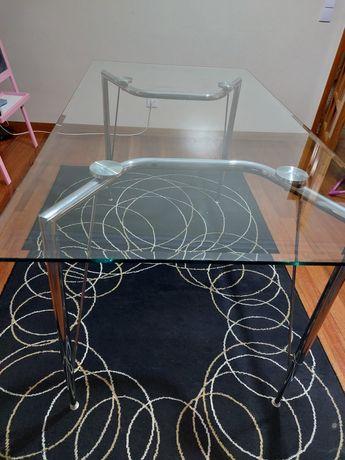 Mesa de jantar de vidro temperado + 4 cadeiras