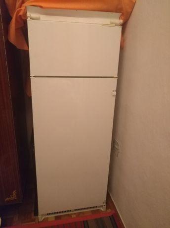 Встраиваемый холодильник Индезит Indesit
