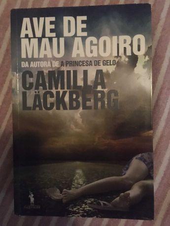 Camilla Lackberg - Ave de Mau Agoiro