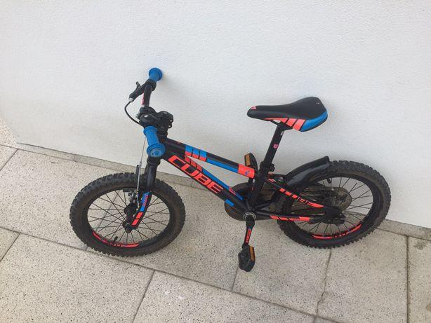 Bicicleta cube