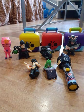 Zabawki dla chłopca kobra, auto, pistolet, boxy