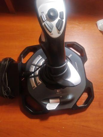 Джойстик Logitech Force 3D Pro.