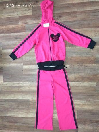 Спортивный костюм на девочку 5-7 лет
