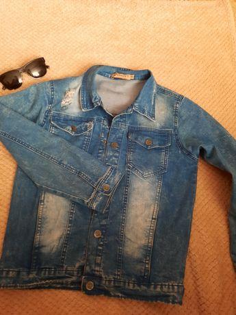 Продам джинсову куртку на хлопчика